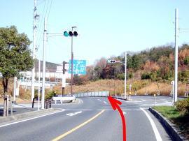 ③右車線をキープします。