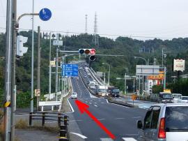 ③「東町1」の交差点を過ぎたら、左車線へ